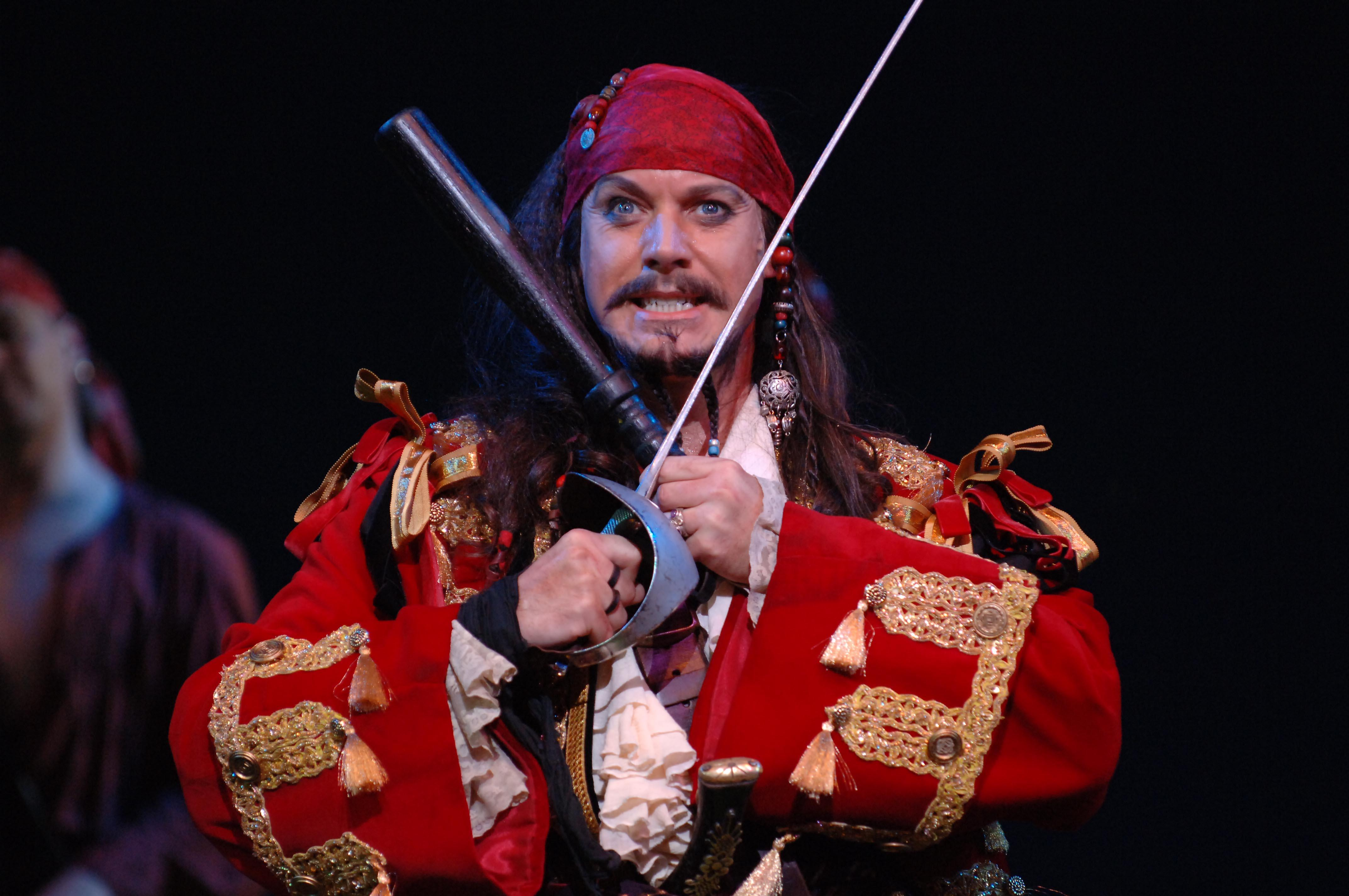 an analysis of the pirates of penzance by gilbert and sullivan Around the world ( and in multiple languages ) the great scriptwriter and lyricist sir w s gilbert's and the grand and marvelous composer sir arthur sullivan's wonderful comic opera and musical theatre masterpiece the pirates of penzance has been performed literally thousands of times since.